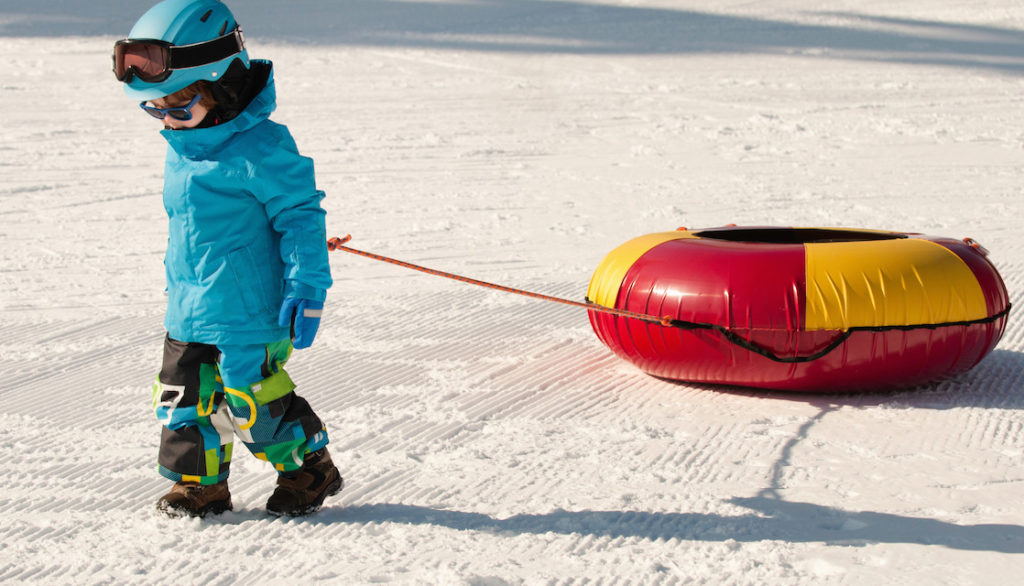 little-boy-snow-tubing-tips-1118x640