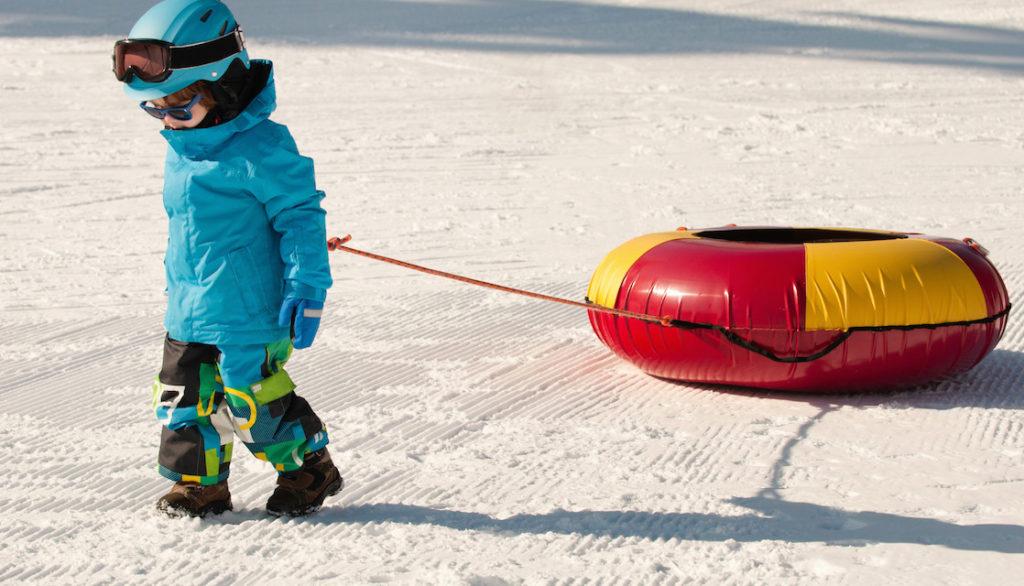 little-boy-snow-tubing-tips-1118x640