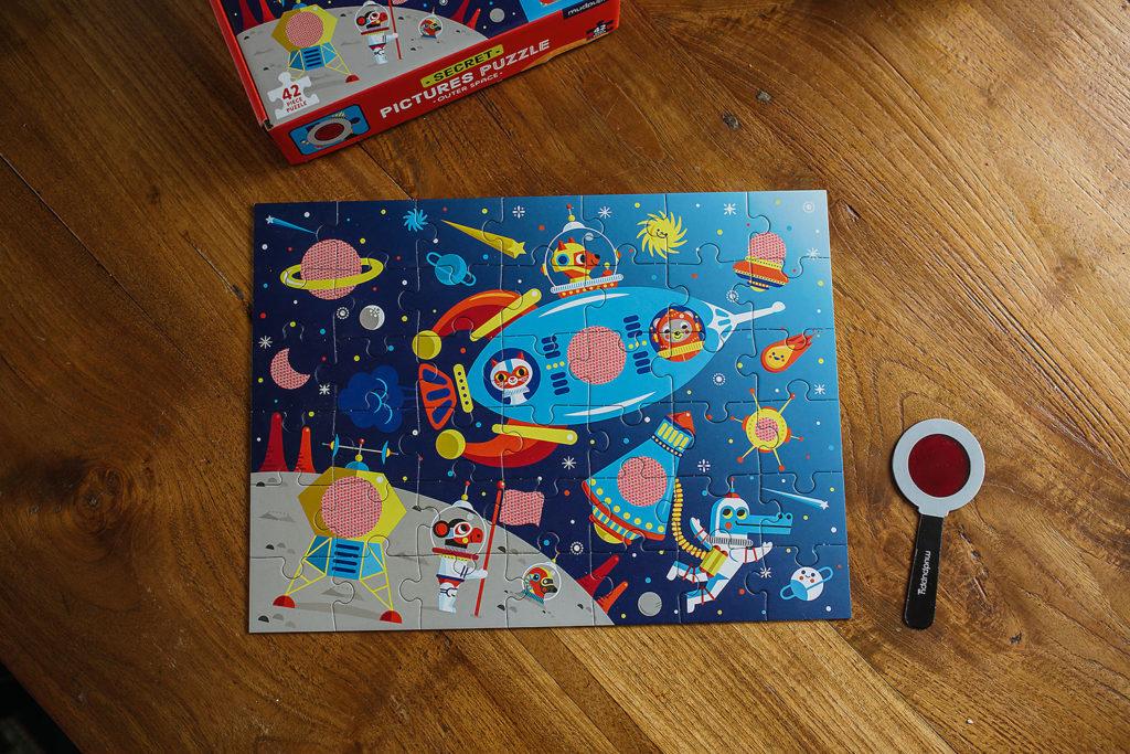 MP57556-Mudpuppy Puzzle z ukrytymi obrazkami Kosmos 42 elementy 3+2